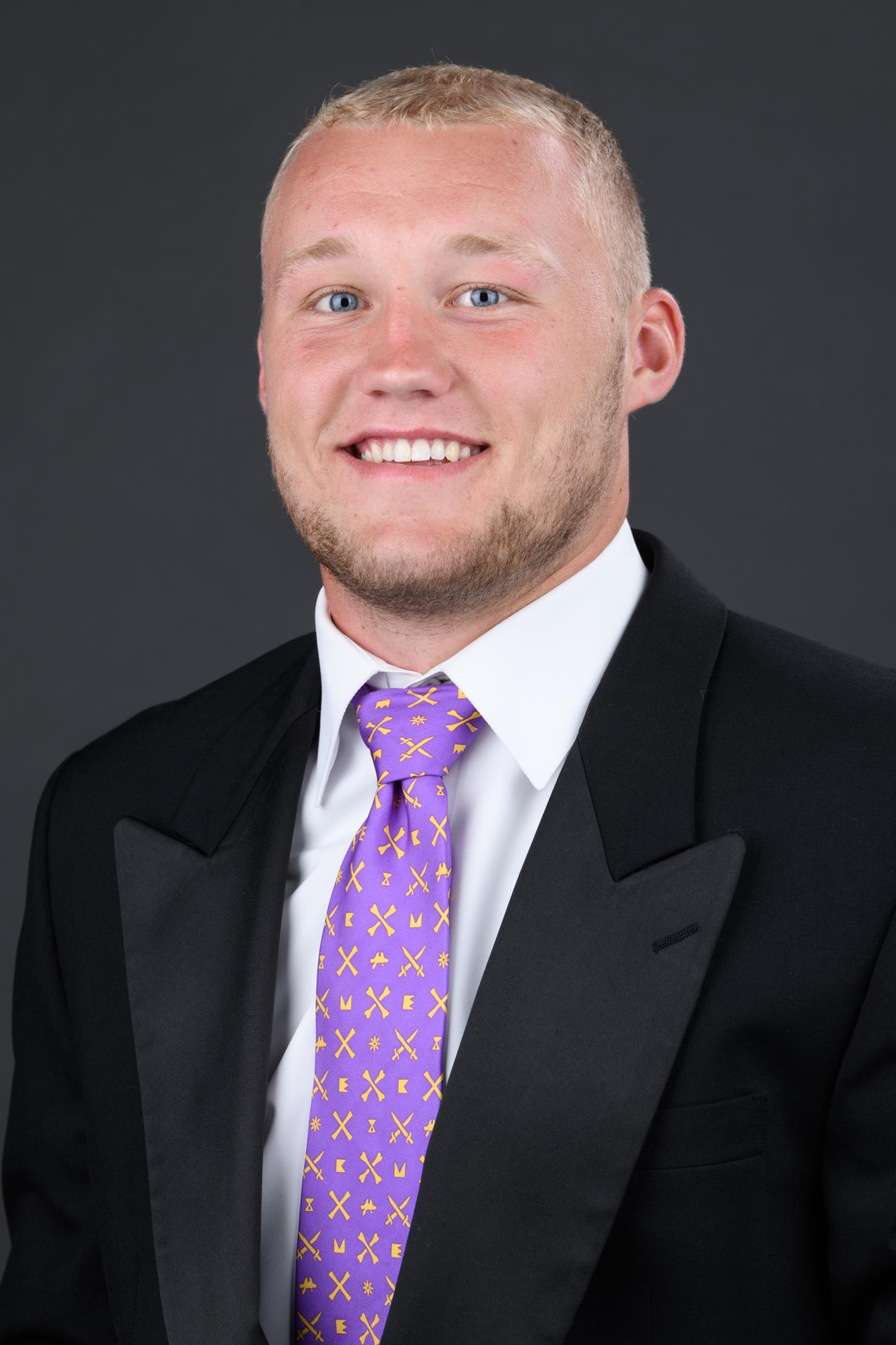Holton Ahlers Football East Carolina University Athletics He is an actor, known for их собственная лига (1992). holton ahlers football east
